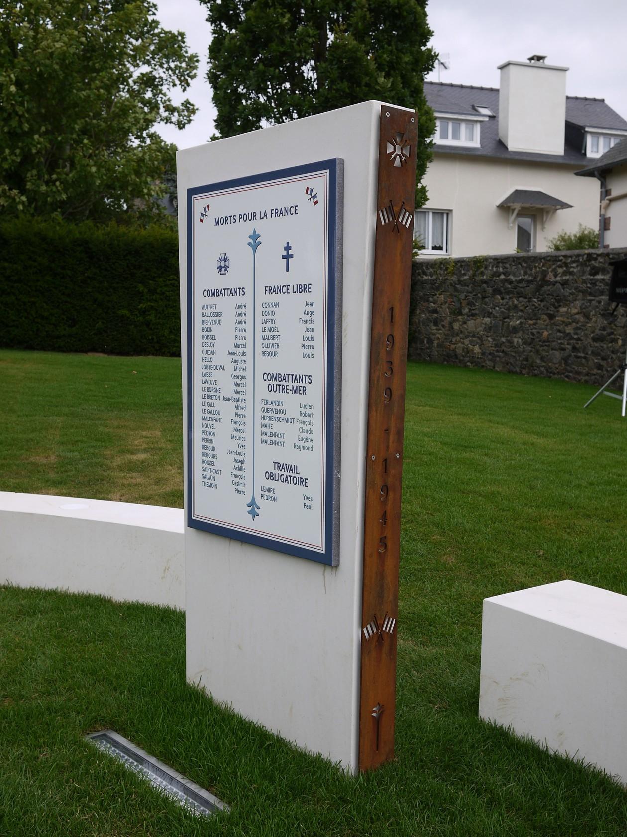 stele 39-45 390